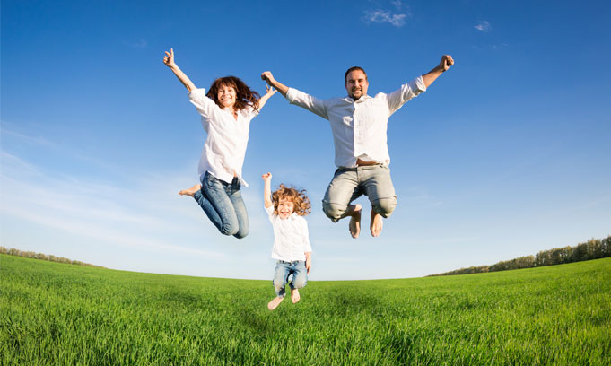 HomeSlideB-Jumping-Family